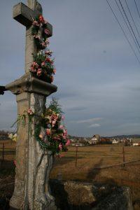 Krucyfiks - Murowanica - droga na Winiarczykówkę
